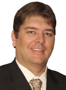 Cobus van den Berg, Senior manager, PwC