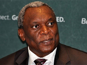 Telecoms minister Siyabonga Cwele handed over an ICT lab to the Dennis A Mokoma Secondary School in Tshwane.