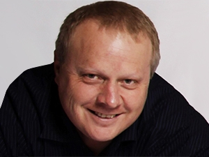 Lee Smith, director: data centre professional services and training, DS.